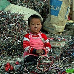 Los países más pobres, vertedero de la basura electrónica mundial
