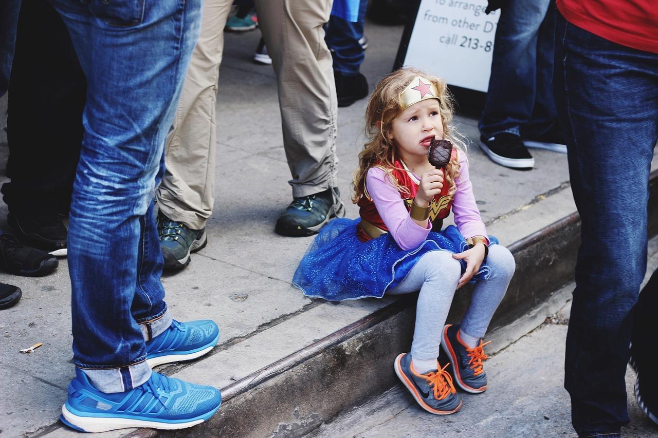 niña superheroe