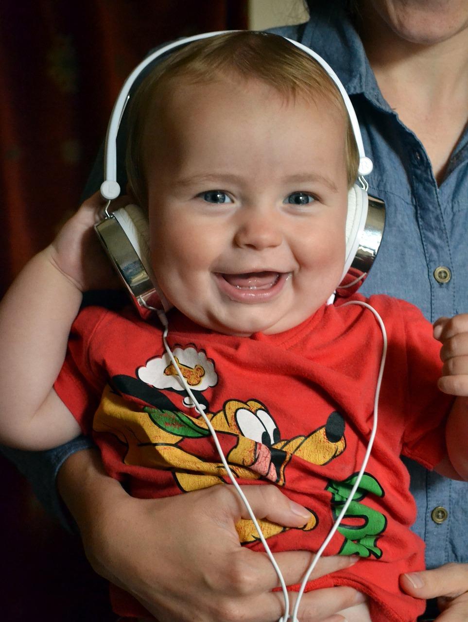 niño auriculares